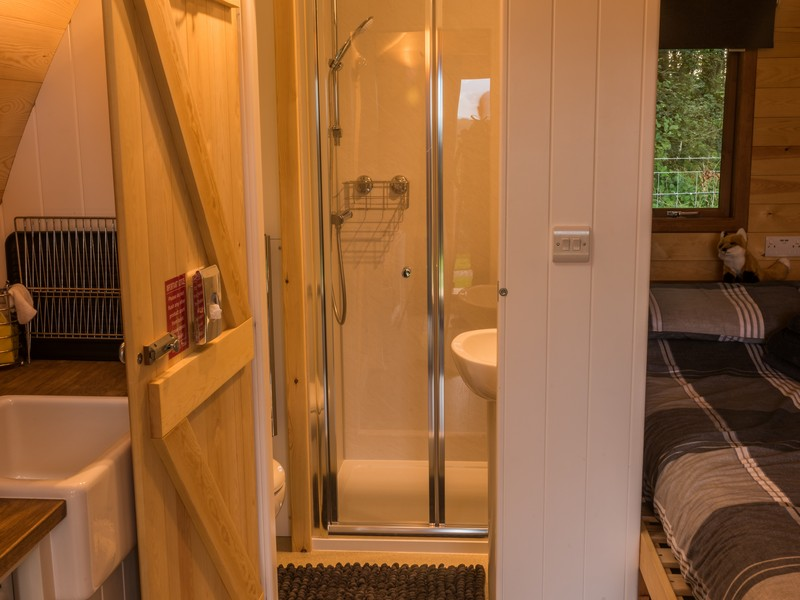 Fox & Badger en-suite shower room